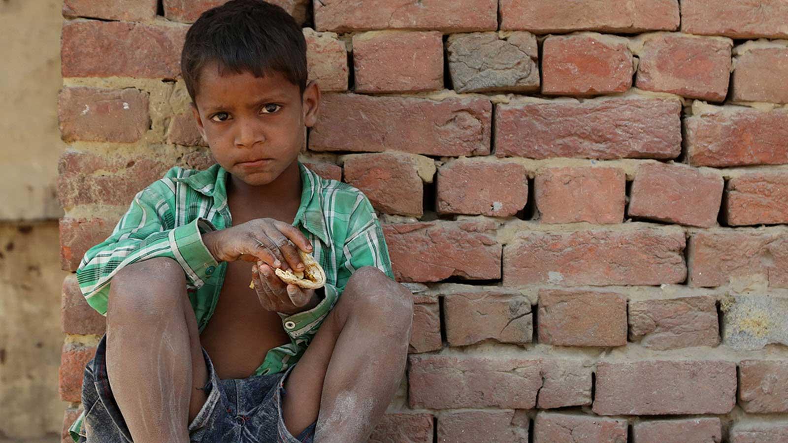 Her Üç Çocuktan İkisi Şiddetli Yoksulluk Çekiyor
