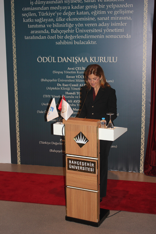 http://content.bahcesehir.edu.tr/2. Geleneksel Türkiye'ye Değer Katanlar Ödülü - Oya Eczacıbaşı