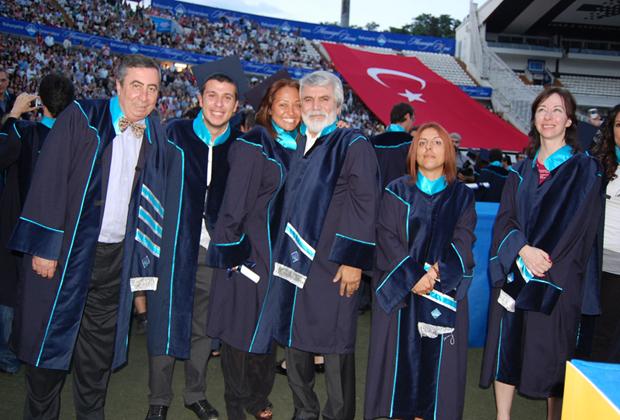 http://content.bahcesehir.edu.tr/Mezuniyet Töreni 2012