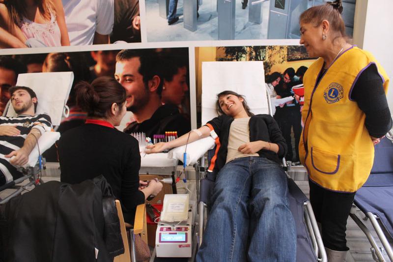 Bahçeşehir Üniversitesi Kızılay Kan Bağışı - Aralık 2012