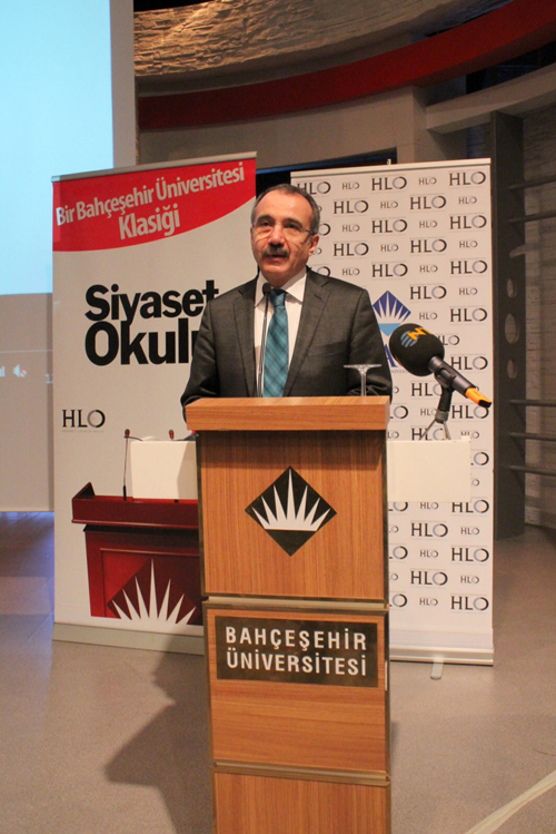 http://content.bahcesehir.edu.tr/Bahçeşehir Üniversitesi Siyaset Okulu 9'un Açılışını Bakan Dinçer Yaptı